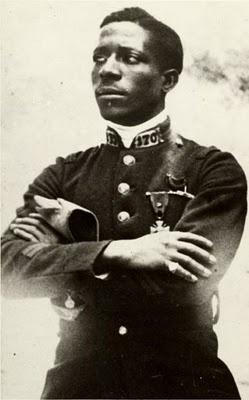 des changements : premier aviateur de couleur-Eugene Jacques Bullard